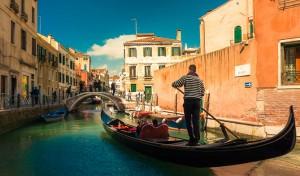 베니스에서 곤돌라(Gondola) 타기