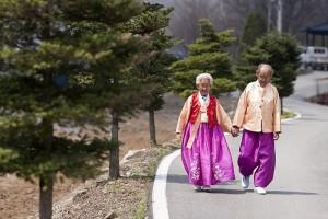 80세 넘어서도 두손 꼭 잡고 해외여행 가기