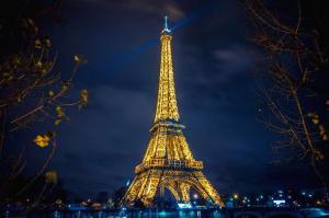 에펠탑 정상에서 사진찍기