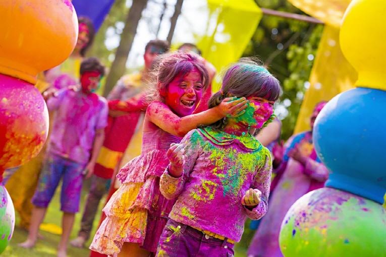 인도 홀리축제(Holi Festival) 참가