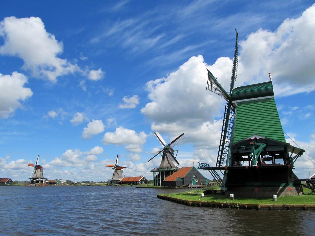 네덜란드 풍차를 배경으로 예쁜 사진찍기