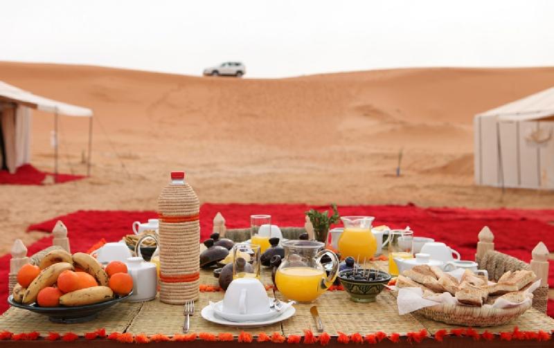 desert-breakfast-사막투어