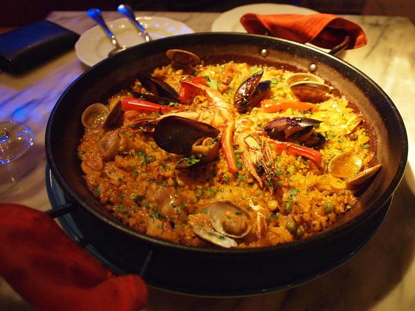 스페인 발렌시아에서 정통 파에야 먹기