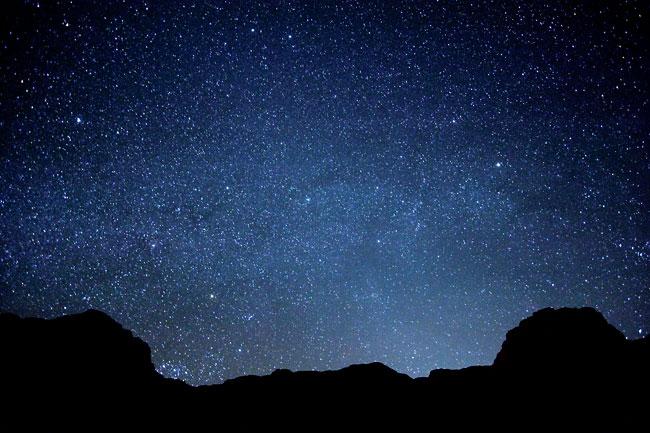 사하라 사막에서 별 사진 찍기