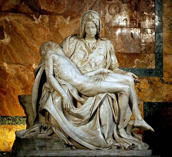 성 베드로 대성당에서 피에타 감상
