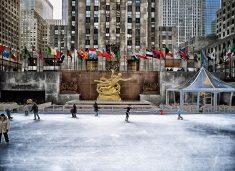 뉴욕 록펠러센터 앞에서 크리스마스보내기